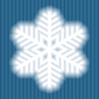 Duży biały płatek śniegu z miękkimi półprzezroczystymi krawędziami na niebieskim tle w paski. przezroczystość tylko w pliku wektorowym