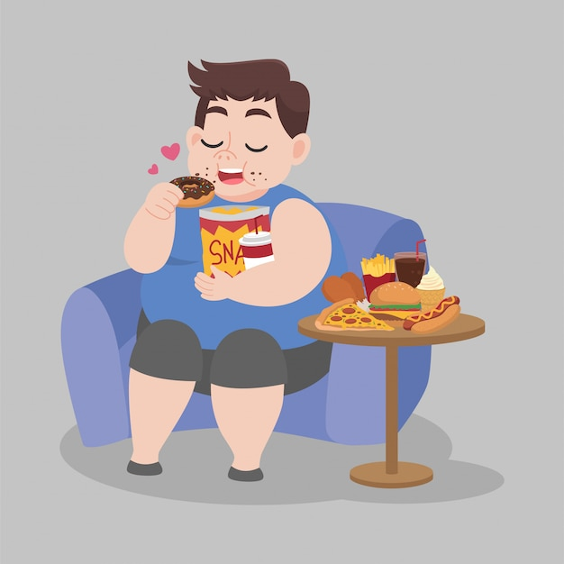Duży gruby szczęśliwy człowiek cieszy się pączka przekąski siedzącego na kanapie