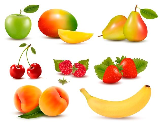 Duży zbiór różnych świeżych owoców i jagód