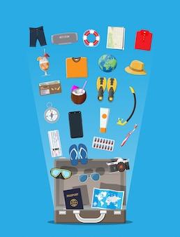 Duży zestaw podróżny. urlop letni, turystyka, urlop