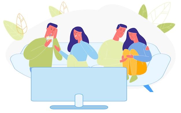 Dwie pary wspólnie spędzają czas, oglądając film telewizyjny