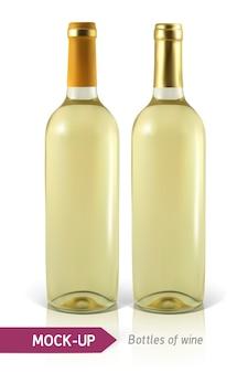 Dwie realistyczne butelki białego wina na białym tle z odbiciem i cieniem. szablon etykiety wina.