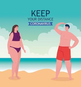 Dystans społeczny na plaży, para zachowująca dystans, nowa koncepcja normalnej letniej plaży po koronawirusie lub covid 19