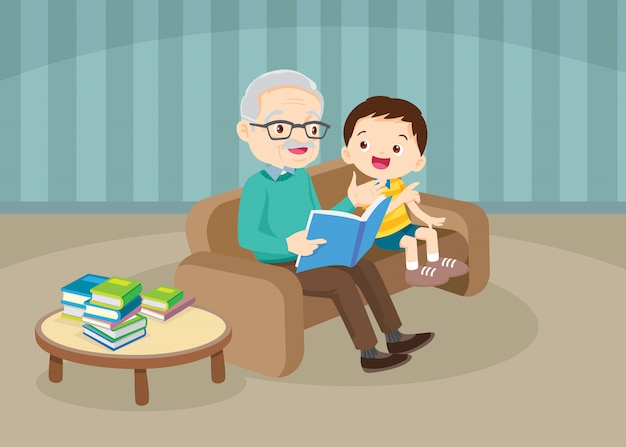 Dziadkowie z wnukami czyta na kanapie