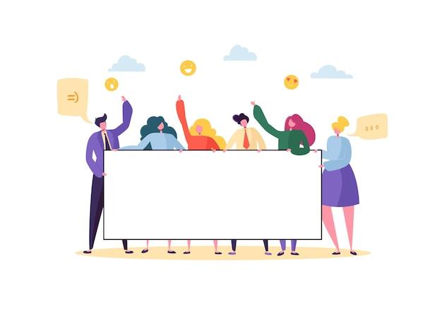 Działalności zespołu trzymając poziomy pusty transparent. szczęśliwi ludzie z pustym billboardem. prezentacja koncepcji reklamy pracy zespołowej, ogłoszenie.