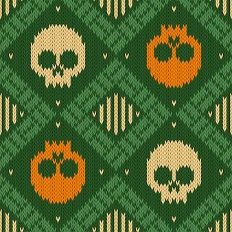 Dzianiny wełniany bezszwowy wzór z czaszkami w zielonych odcieniach