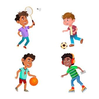 Dzieci chłopcy grać w gry sportowe na placu zabaw wektor zestaw. dzieci grające w piłkę nożną i koszykówkę z grą, badmintonem i rolkami sportowymi w czasie aktywnym. postacie płaskie ilustracje kreskówka