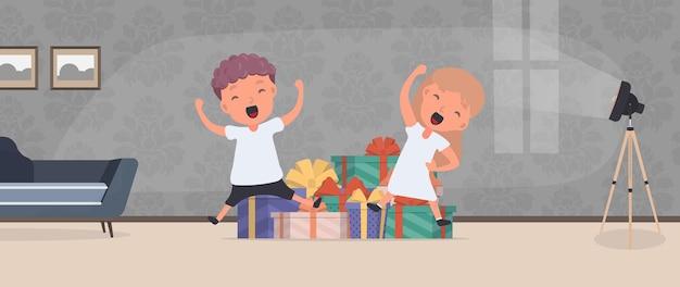Dzieci cieszą się z prezentów. szczęśliwe dzieci, mnóstwo prezentów. koncepcja wakacji. wektor.