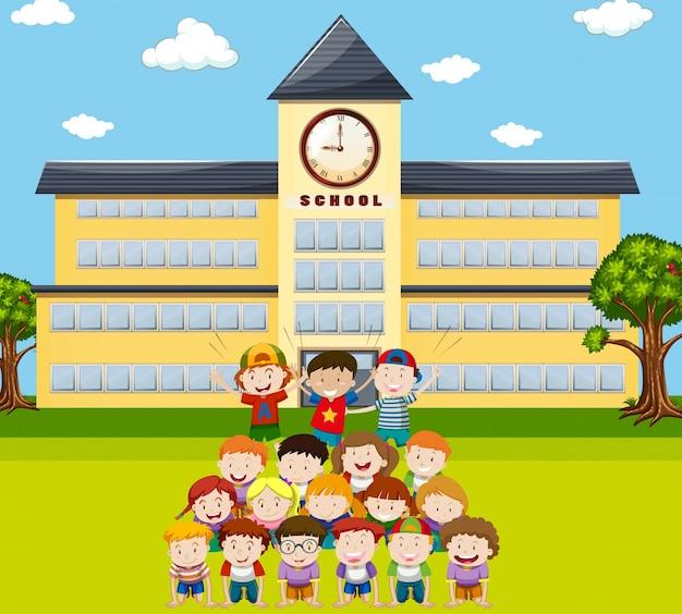 Dzieci czynią ludzką piramidę w szkole ilustracji