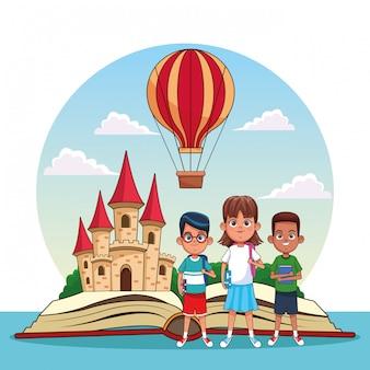 Dzieci czytające bajki