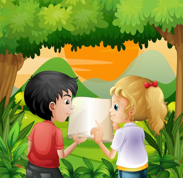 Dzieci dyskutują z książką przy lasem