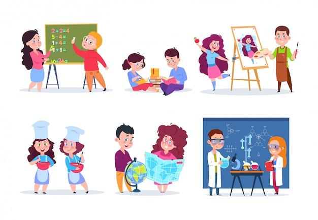 Dzieci na lekcjach. dzieci w wieku szkolnym studiujące geografię, chemię i matematykę. chłopcy i dziewczęta czytają, rysują i gotują kreskówkę. znaki wektorowe