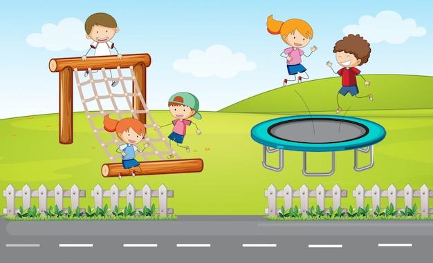 Dzieci na placu zabaw