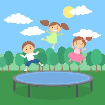 Dzieci na trampolinie.