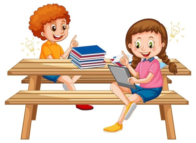 Dzieci online pochylone z tabletu na białym tle