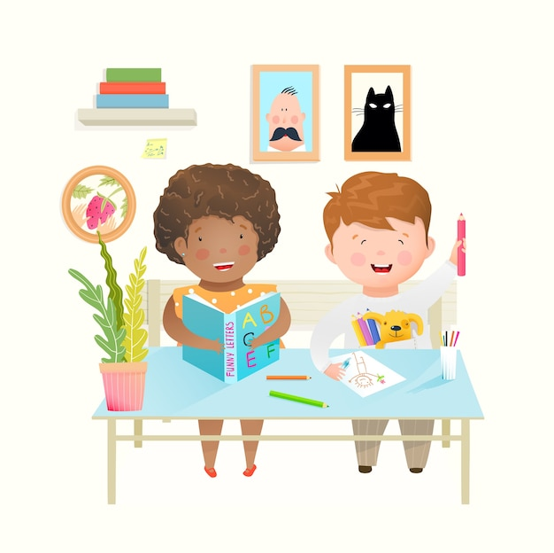 Dzieci siedzące przy biurku w szkole lub przedszkolu uczą się, uczą i rysują. szczęśliwy roześmiany chłopak i dziewczyna przyjaciół w szkole szczęśliwa edukacja. kreskówka w stylu przypominającym akwarele.