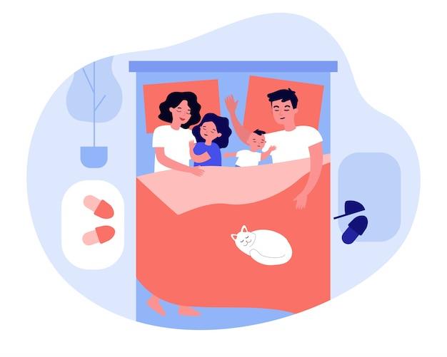 Dzieci śpiące w łóżku rodziców