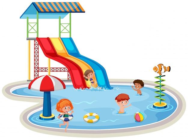 Dzieci w odosobnionym parku wodnym