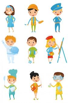 Dzieci w różnych strojach. praca marzeń dla dzieci lekarz, budowniczy, policjant, kosmonauta, piłkarz, malarz, kucharz, nauczyciel, chemik. dzień kariery mieszkanie