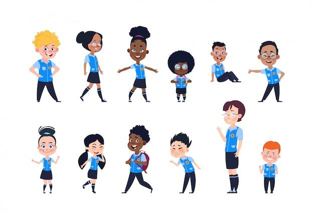 Dzieci w wieku szkolnym. kreskówka szczęśliwe dzieci w mundurze. dziewczęta i chłopcy uczniowie na białym tle wektor znaków