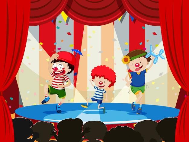 Dzieci wykonujące na scenie