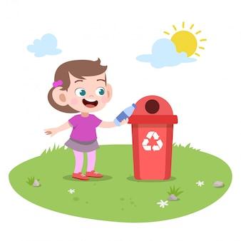 Dziecko dziewczynka rzuca śmieci