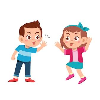 Dziecko łobuza przyjaciela złe zachowanie