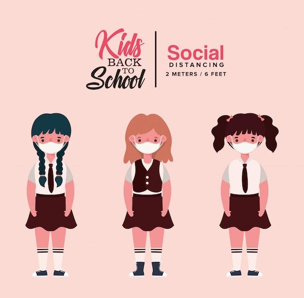 Dziewczęta dzieci w mundurach i maskach medycznych