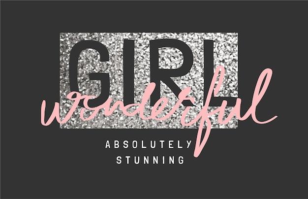 Dziewczyna cudowny slogan na srebrnym brokacie