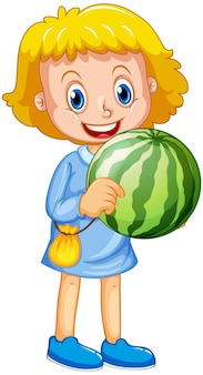 Dziewczyna trzyma postać z kreskówki owoców arbuza na białym tle