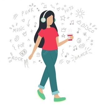Dziewczyna w słuchawkach słuchanie muzyki podczas chodzenia. kobieta ma kawę w dłoniach. wektorowa płaska ilustracja. ręcznie rysowane doodle.