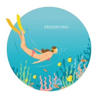 Dziewczyna w stroju kąpielowym freediving pod wodą
