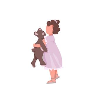 Dziewczyna z postacią bez twarzy w kolorze zabawki. mały dzieciak przytulił pluszowego misia. śliczny przedszkolak. maluch bawić się ilustracją kreskówki lalek i animacją