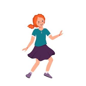 Dziewczyna z rudymi kręconymi włosami i piegami w koszuli, spódnicy i tenisówkach tańczy. szczęśliwy słodkie dziecko uśmiechając się. nastolatek z twarzą w ubraniu. światowy międzynarodowy dzień dziecka. ilustracja wektorowa