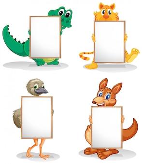Dzikie zwierzęta z pustymi tablicami ogłoszeń