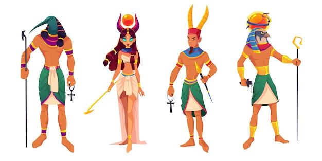 Egipscy bogowie amun, ra, thoth, hathor. starożytne bóstwa egiptu i mitologiczne stwory z atrybutami religii