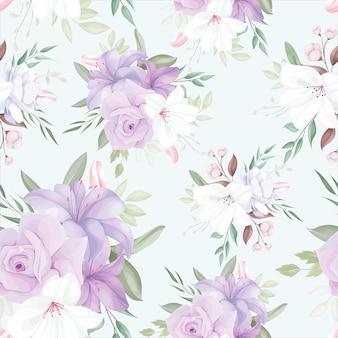 Elegancki bezszwowy wzór z pięknymi białymi i fioletowymi kwiatami i liśćmi