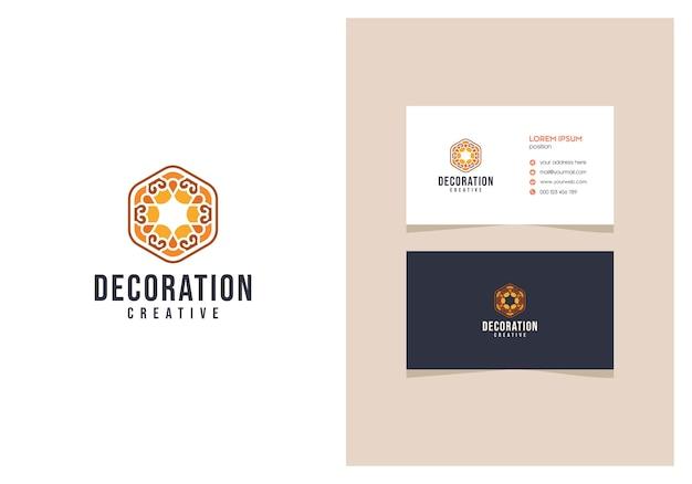Eleganckie luksusowe logo dekoracji wnętrz z wizytówką
