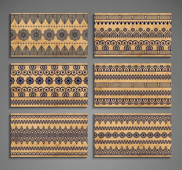 Etniczne karty z ornamentami