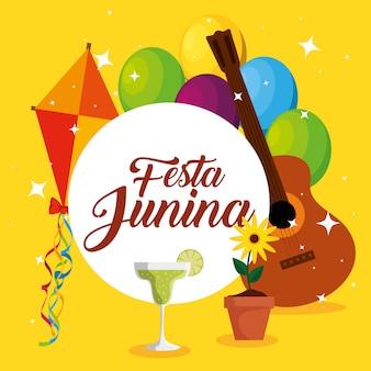 Etykieta z dekoracją latawca i gitary na festa junina