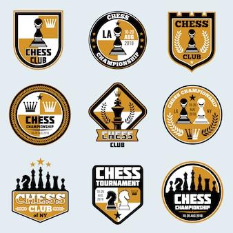 Etykiety klubów szachowych. logo wektorowe i emblematy strategii biznesowej