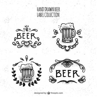 Etykiety piwa z ornamentami
