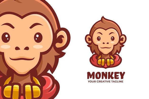 Fajna maskotka małpa z logo