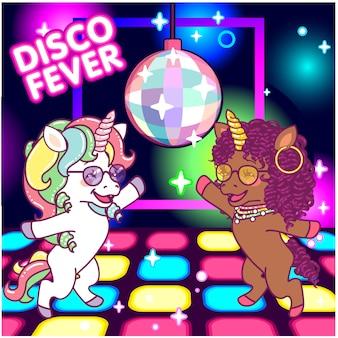 Fajne jednorożce tańczące na dyskotece pod lustrzaną kulą, gorączka disco lat 70-tych
