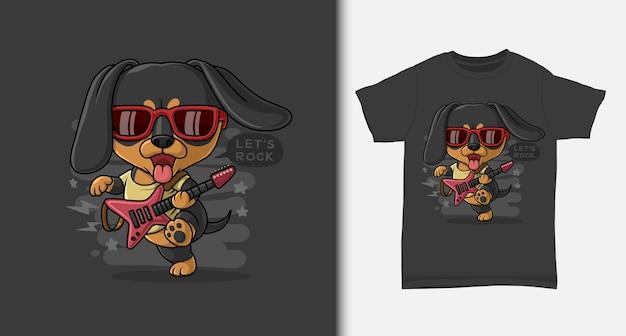 Fajny jamnik grający na gitarze z projektem koszulki