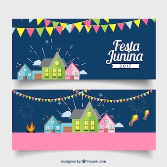 Festa junina transparenty z domami i girlandami