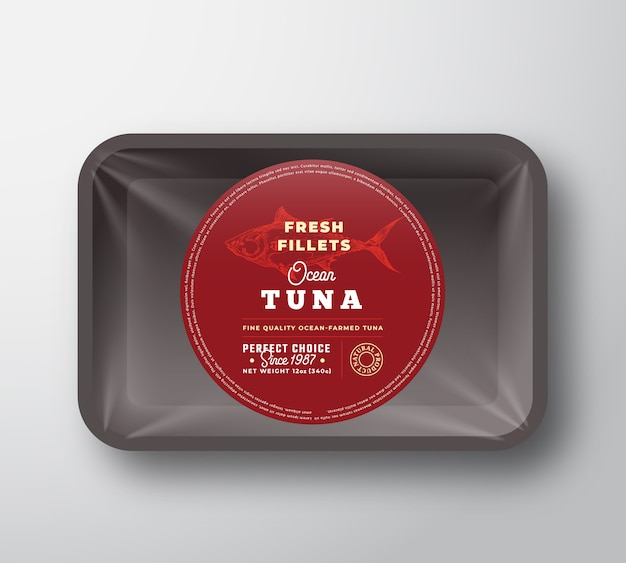 Filety z tuńczyka oceanicznego. streszczenie wektor ryb taca z tworzywa sztucznego z projektem opakowania celofanowego