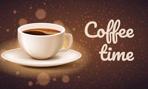 Filiżanka kawy na brown.