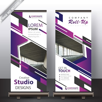 Fioletowy roll up banner na reklamę