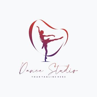 Fitness gimnastyka z projektem logo wstążki